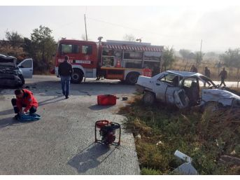 Sındırgı'de Trafik Kazası: 1 Ölü, 2 Yaralı