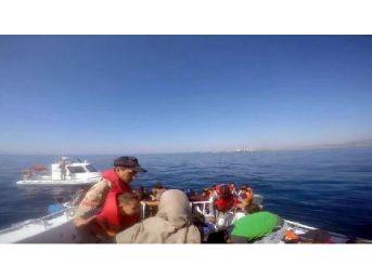 Dikili'de Denizde 54 Kaçak Yakalandı