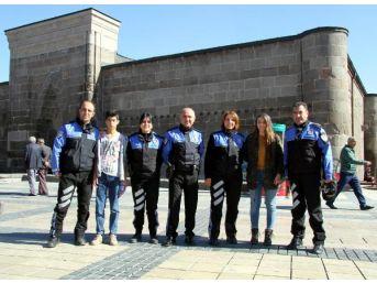 Toplum Destekli Polis, Çocukları Mutlu Etti