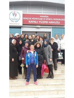 Yunusemre'den Kadınlar İçin Yüzme Kursu