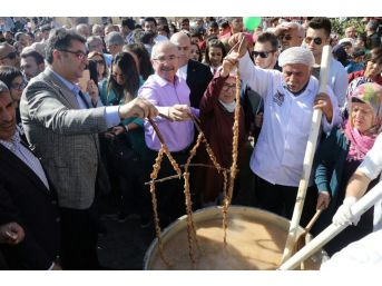 Mardin'de Harire Şenliği Coşkuyla Kutlandı