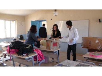 Tobb Köy Okulu Boyadı, Öğrencilere Yardım Dağıttı
