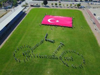 Öğrenciler Bisiklet Figürü İle Cumhurbaşkanlığı Turunu Selamladı