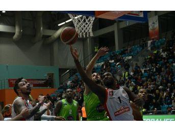 Tahincioğlu Basketbol Süper Ligi: Muratbey Uşak: 73 - Tofaş: 86