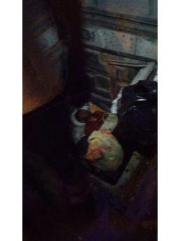 Yeraltı Çöp Konteynerine Düşen Adam Ölümden Döndü