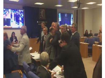 Plan Ve Bütçe Komisyonu'nda Milletvekilleri Birbirinin Üzerine Yürüdü