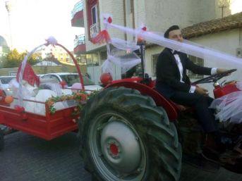 Traktörü Gelin Arabası Yaptı