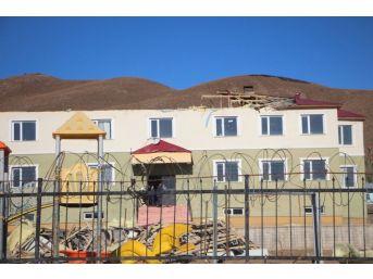 Bingöl'de Fırtına Çatıları Uçurdu: 2 Yaralı