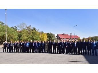 Ahlat'ta '19 Ekim Muhtarlar Günü' Kutlandı
