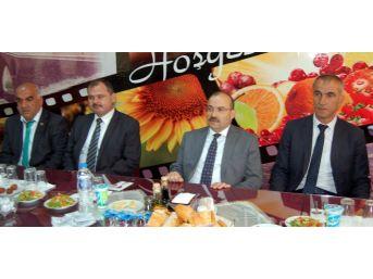 Bitlis Valisi Ustaoğlu, Muhtarlarla Bir Araya Geldi