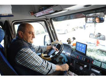 (özel Haber) Minibüsçüden Yolcu Otobüsü Gibi Hizmet
