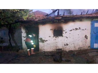 Sungurlu'da Tandırlık Yangını Korkuttu