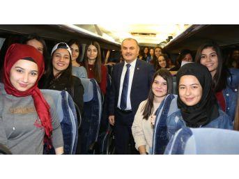 Denizli'de 11. Sınıf Öğrencilerine İstanbul Gezisi