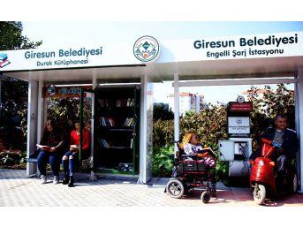 Türkiye'de İlk Defa 'durak Kütüphane Ve Engelli Şarj İstasyonu' Giresun'da Açıldı
