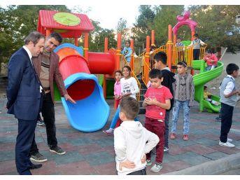 Toki Konutlarına Çocuk Oyun Grubu Kuruldu