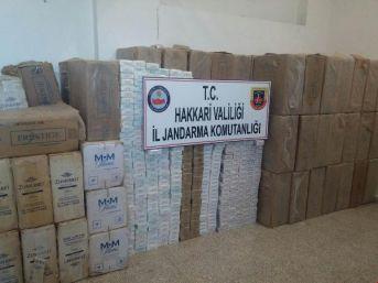 Yüksekova'da Iki Araçtan 50 Bin Paket Kaçak Sigara Çıktı