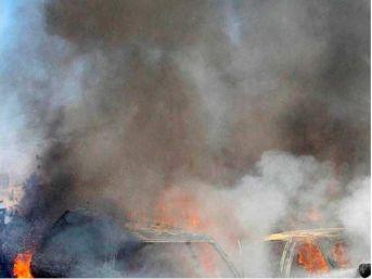 Afganistan'Da Askeri Üsse Saldırı En Az 40 Ölü (2)