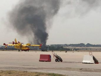 İspanya'Da F-18 Savaş Uçağı Madrid'In Dışına Düştü