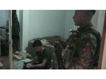 Jandarmadan Fetö/pdy Bağlantılı Deaş Operasyonu: 8 Gözaltı