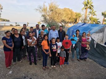 (özel Haber) Mahallelerinden Sopalarla Kovulan 11 Hanelik Aileler Üç Aydır Sokakta Yaşıyor