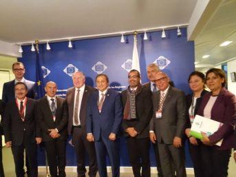 Başkan Eşkinat Brüksel'de Yerel Yöneticilere Konferans Verdi