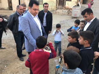 Çocukların Çikolatası Kaymakam Özcan'dan