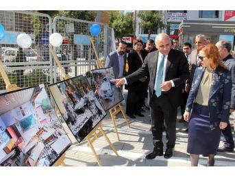 Van Büyükşehir Belediyesi Deprem Standı Kurdu