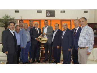 Eski Bakan Coşkun'dan Aydın Ticaret Borsası'nın Yeni Başkanı Çondur'a Ziyaret