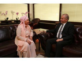 Sanatçı Bedia Akartürk'ten Başkan Zolan'a Ziyaret