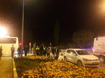 Yolcu Otobüsünün Çarptığı 14 Yaşındaki Genç Öldü
