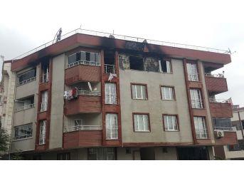 Arnavutköy'de Çok Sayıda Tüp Bulunan Evde Yangın Çıktı