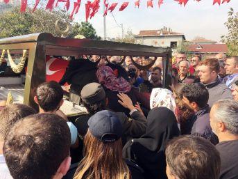 Van Şehidi Onbaşı Kemal Zeren'in Naaşı Helallik Almak İçin Evine Getirildi