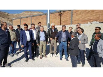 Başkan Akay, Pazarören Çiftçi Eğitim Merkezi Ve Besi Çiftliği İnşaatında İncelemelerde Bulundu