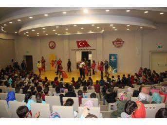 Seydişehir'de Medeniyet Okulu Tiyatrosuna Büyük İlgi