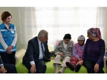 Muğla Büyükşehir Evde Bakım Hizmetleri 11 Bin Haneyi Ziyaret Etti