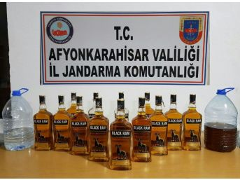 Jandarma 17 Litre Bandrolsüz Kaçak İçki Ele Geçirdi