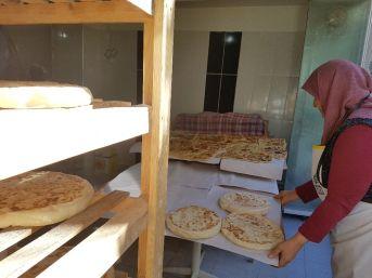 Türk Ekmeği Bazlamanın İnceliklerini Emektarı Kezban Ana Anlattı
