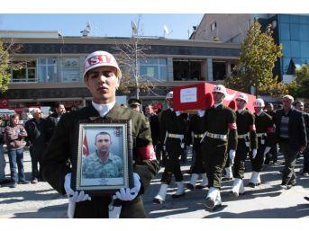 Kırşehir 117. Şehidi Tayfun Kavun'un Cenazesi Tören Alanına Getirildi