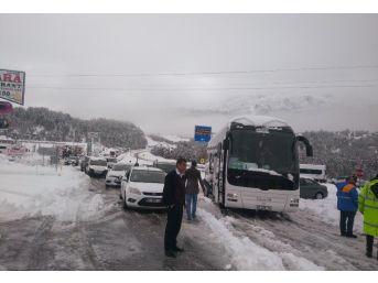 Seydişehir-antalya Karayolu Kardan 5 Saat Kapandı