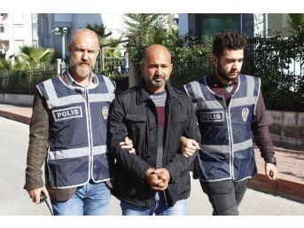Antalya'daki Cinayetin Zanlısı Tutuklandı