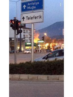 Petrol İstasyonunda Patlama