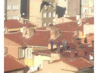 Çatıda İşlerini Bırakıp Saygı Duruşuna Geçtiler