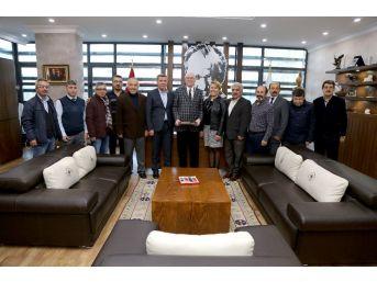 Sivrihisar Sosyal Kültür Ve Dayanışma Derneği'nden Başkan Kurt'u Ziyaret