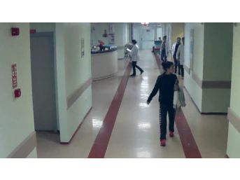 (özel Haber) Hastanede Hastaların Çantasını Çalan Hırsız Güvenlik Kamerasında