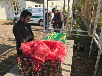 Servis Altında Can Veren Minik Elvan'a Gözyaşı