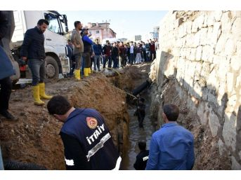 Şırnak'ta Kanalizasyon Çukuruna Düşen Çocuk Ağır Yaralandı