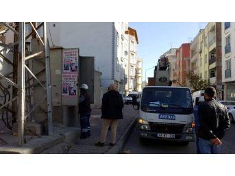 Mahalle Sakinlerinden Elektrik Dağıtım Şirketine Tepki