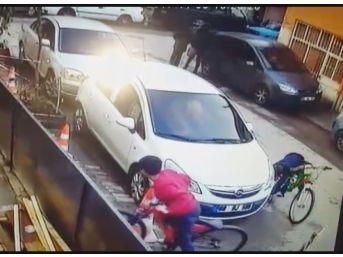 Sibop Kapaklarını Alan Çocuklar Güvenlik Kamerasında
