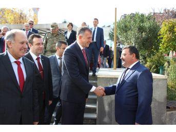 Acara Özerk Cumhuriyeti Başkanı Pataradze Artvin Belediyesini Ziyaret Etti