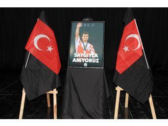 Avcılar Belediyesi Naim Süleymanoğlu İçin Anma Programı Düzenledi
